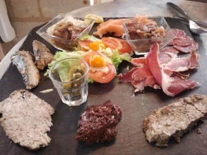 Delicious tasty morsels from Le Comptoir des Vins in Fontevraud.