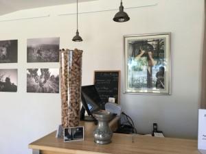 Domaine-de-la-Bergerie-le-tasting-room04