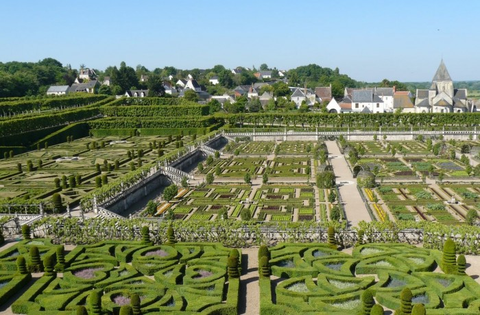 Loire Chateaux Arrive Early And Beat The Crowds Le